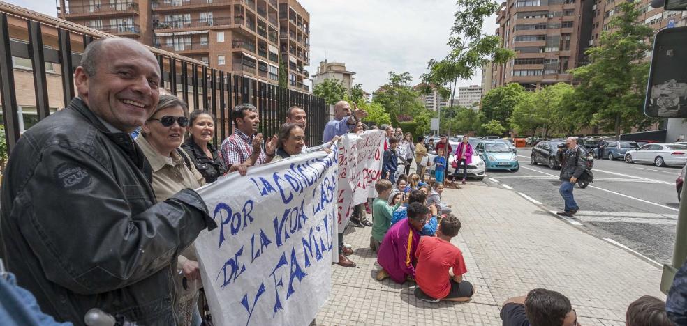 La protesta por las plazas del Hernández Pacheco se intensifica