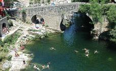 Europa suspende la calidad del agua en cinco zonas de baño de Extremadura