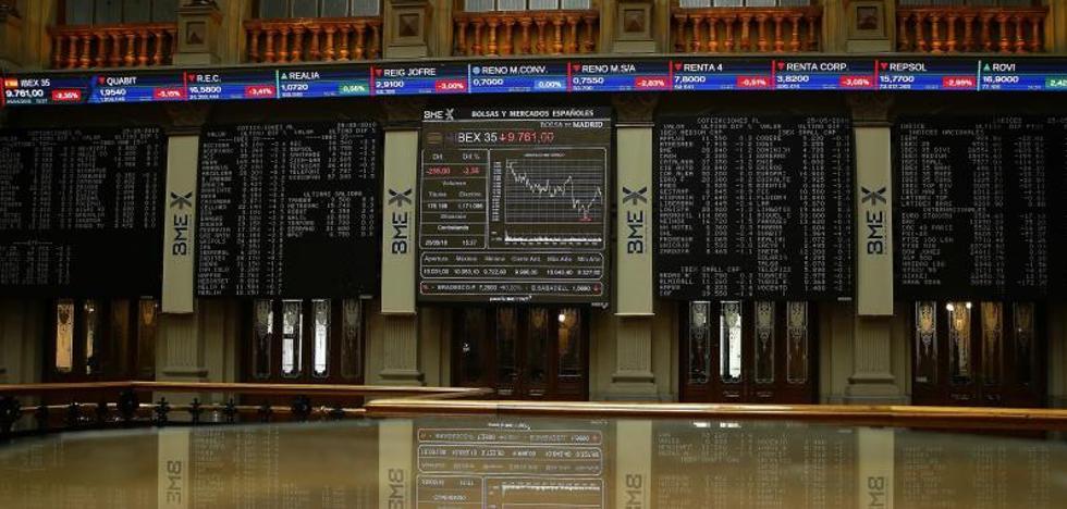 El Ibex retrocede con fuerza y la prima de riesgo se eleva por la incertidumbre política
