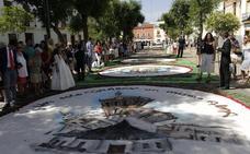 25.000 claveles y 15.000 kilos de sal para el alfombrado de la calle Ancha de Zafra