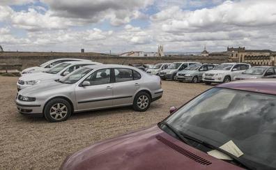 La Policía Local comienza a multar por aparcar en la Alcazaba de Badajoz