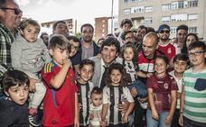 Baño de masas de Patxi Salinas en Badajoz