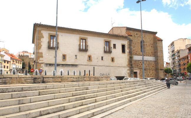 Rehabilitar el antiguo hospital de San Roque en Plasencia para el Burger King costará más de un millón de euros