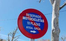 Almendralejo destina 5.000 euros a señales de tráfico
