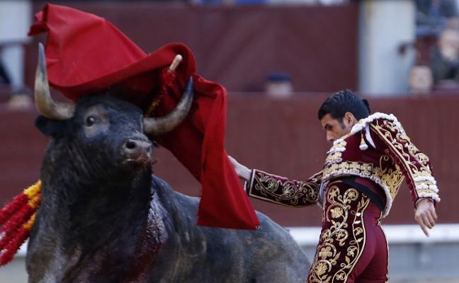 Ovación en Las Ventas para Emilio de Justo