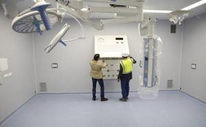 Concluye el equipamiento de los 16 quirófanos del nuevo hospital de Cáceres