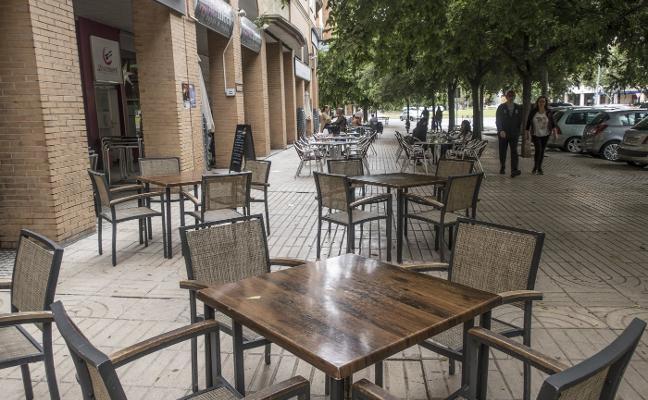 La primavera contra los veladores de Badajoz