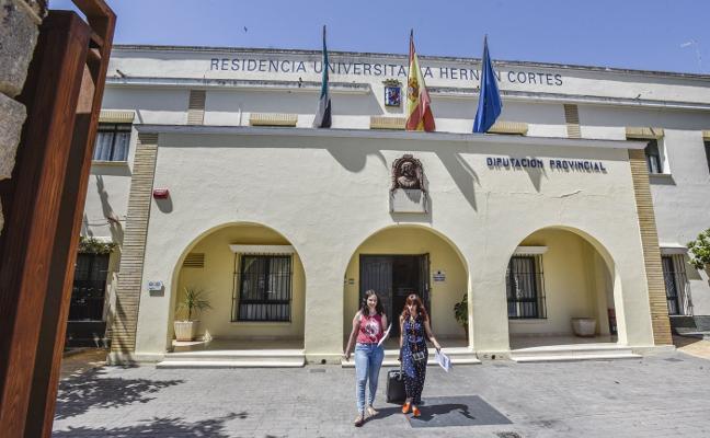 La residencia Hernán Cortés suspende la charla pseudocientífica otra vez