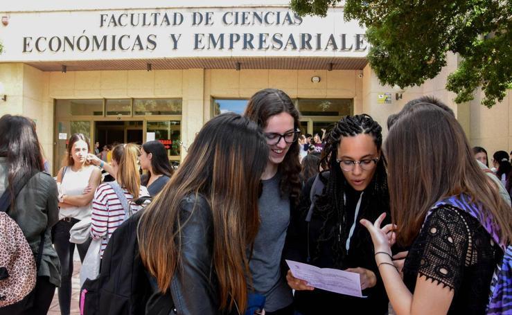 Los estudiantes extremeños afrontan la repetición de la EBAU
