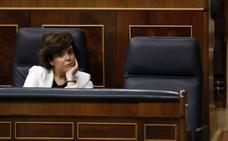El PP sienta a Cospedal en primera fila y a Sáenz de Santamaría en la segunda, detrás de Rajoy