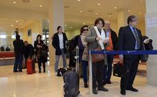 La mejora de horarios y precios de los vuelos desde la región no llegará hasta final del año
