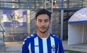 Mario Gómez pone la primera cara nueva al Badajoz