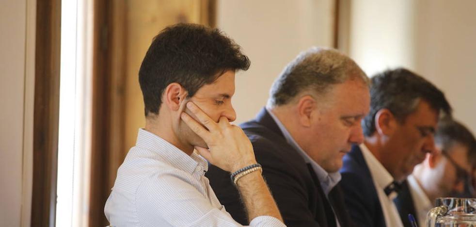 Consuelo Fernández Manley releva a Víctor Peguero en el Ayuntamiento de Cáceres