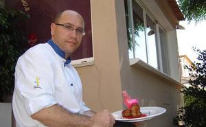 El cocinero Javier García será nombrado hoy hijo predilecto de Barcarrota