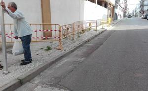 C's pide al Consistorio que mejore la accesibilidad de los acerados de Almendralejo