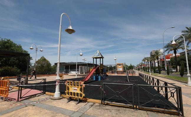El parque de Fernández López tendrá un nuevo suelo similar al césped artificial