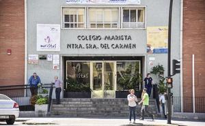 Un juzgado anula la expulsión de dos niños de Los Maristas acusados de falsear datos