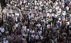 Miles de personas protestan en Pamplona contra la sentencia impuesta a los ocho jóvenes por la agresión de Alsasua