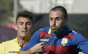 El Villanovense incorpora al veterano central Esteban Muñoz