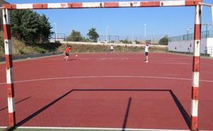 Se licita la obra para construir un campo de fútbol 7 de césped artificial en La Corchera de Mérida