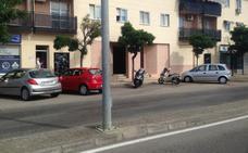 Fallece un motorista de 31 años en Cáceres tras chocar con una farola