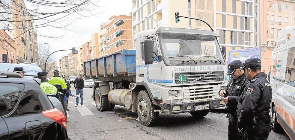 Un año sin carné para un camionero por arrollar a una mujer en un paso de cebra de Badajoz