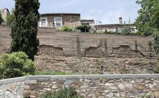 El Ayuntamiento de Cáceres inicia la recuperación de la titularidad de toda la muralla