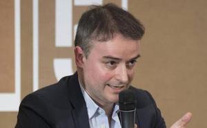 Vara dice que Iván Redondo «aporta cosas muy interesantes» al Gobierno