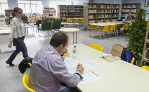 La biblioteca de Plasencia abrirá para el estudio tres horas y media cada tarde en julio y agosto