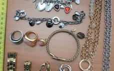 Detenidos dos vecinos de Villafranca de los Barros por el robo de joyas y dinero de una vivienda