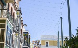 Critican que los toldos de la Plaza de España de Badajoz sigan sin instalarse