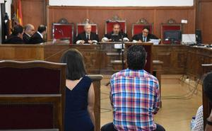 El fiscal pide 8 años de prisión para el acusado de quedarse bienes de su tía