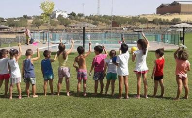 La UCE recomienda a los padres no firmar una autorización «genérica e idefinida» para los campamentos de verano