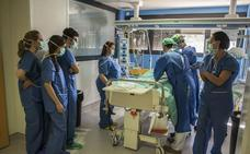 La Junta extiende la jornada de 35 horas semanales a sanitarios y profesores