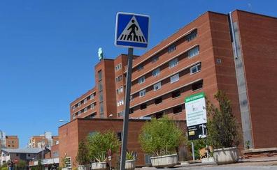 CC OO denuncia el cierre de varias unidades hospitalarias de Badajoz durante el verano