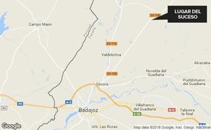 Herido un joven de 27 años tras una salida de vía en la Ex-100, entre Badajoz y La Roca de la Sierra