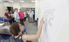 El SES enseña el nuevo hospital de Cáceres a varios colectivos de la ciudad