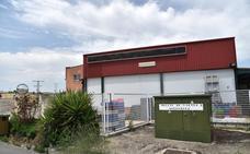 El Seprona halló 270 toneladas de carne caducada en el registro de cuatro naves en Extremadura
