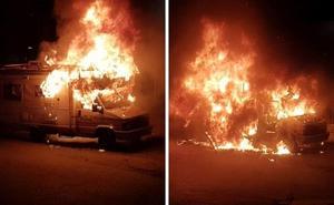 Arde una autocaravana en Cáceres