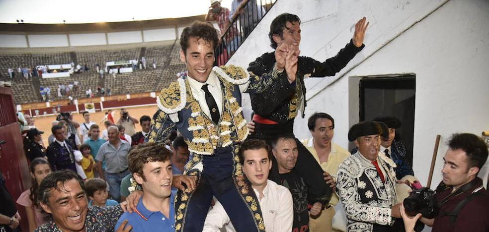 La entrega de Lancho y los destellos de Posada abren la puerta grande de Badajoz