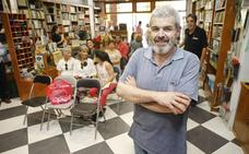 Lorenzo Caprile, en Cáceres: «La costura es una industria muy mezquina»