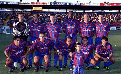 Almendralejo y Extremadura vuelven de la mano al fútbol profesional