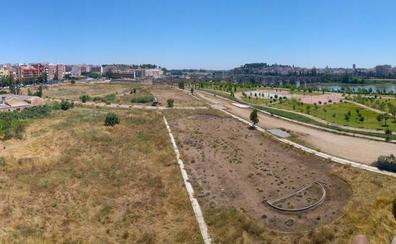 La urbanización del entorno de la nueva piscina de Badajoz saldrá a concurso tras el verano