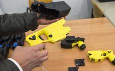 Así son las polémicas pistolas eléctricas que ya pueden usar los Mossos