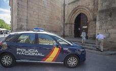 Roban las pertenencias a dos religiosos dentro de la sacristía de la Concatedral de Cáceres