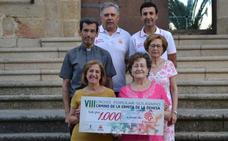 Cáritas recibe los beneficios del VIII cross solidario 'Camino de la dehesa de la ermita' de Jaraíz