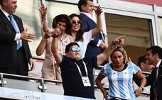 Maradona, desapercibido