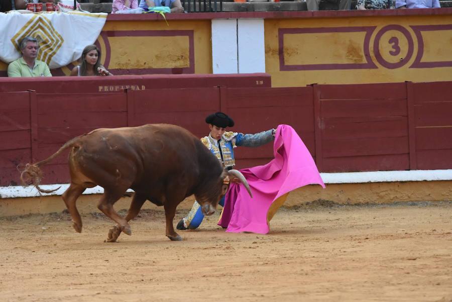 La novillada sin picadores que cierra la feria de Badajoz deja buenos momentos