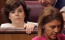 Sáenz de Santamaría dice que Cospedal y ella son las candidatas «menos agresivas»