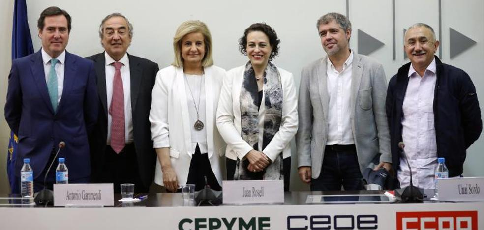 Sindicatos y empresas firman el acuerdo que comenzará a «recuperar los salarios»